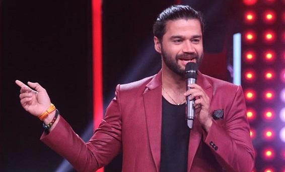 Balraj-Syal-Entertainment-Ki-Raat-Host