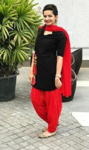 Minnie_Rohilla_Punjabi_Suit