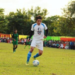 Vivek-Bora-Playing-Football
