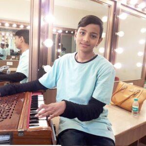 Aftab-Singh-Practicing