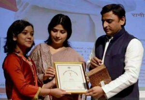Nishtha-Sharma-UP-Chief-Minister-Akhilesh