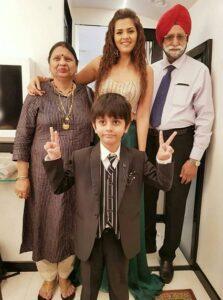 Dalljiet-Kaur-Son-Family