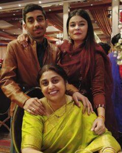 Chetna-Bhardwaj-Mother-Brother