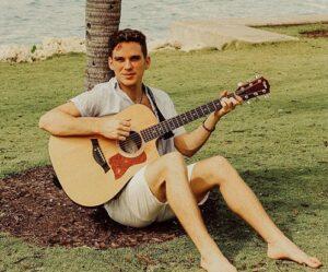 Max-Boyle-Guitar