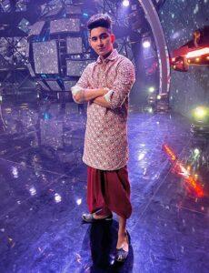 Rishabh-Chaturvedi-Indian-Idol