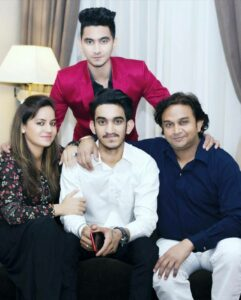 Rishabh-Chaturvedi-Family-Mother-Father-Brother